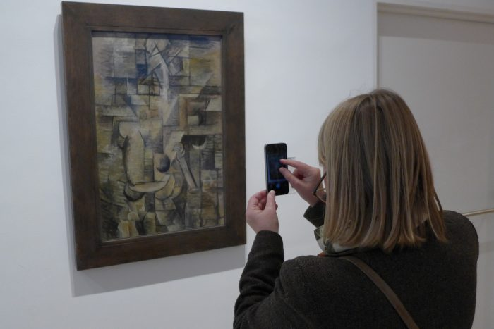 Making a photo of a Braque painting